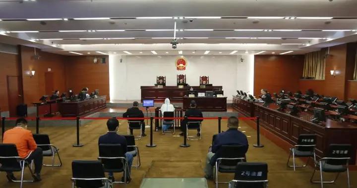 银行行长被查、纪委原副书记受审……广西又有官员落马