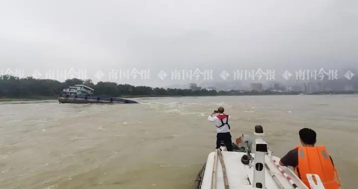 货船触礁搁浅,409艘船通行受阻,柳州航护中心受考验…