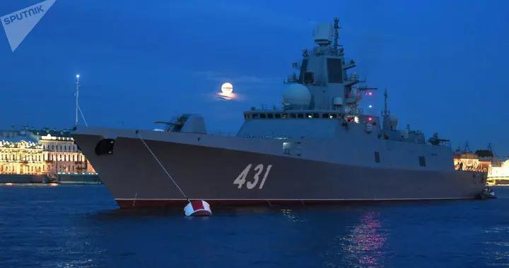 """俄""""卡萨托诺夫海军元帅""""号护卫舰驶往巴伦支海进行武器检验"""