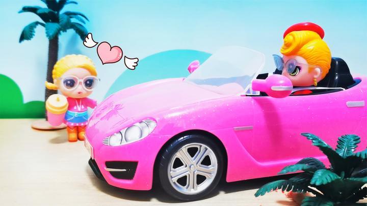 新品用心品伊蒂丝和薇薇安开跑车海边兜风,猜拆乐跑车欢乐秀!