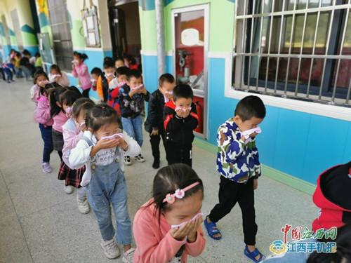 乐安县招募镇中心幼儿园开展消防线地震
