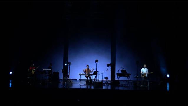 太久没听到这首《天才与尘埃》 应该是李泉老歌里我最爱的一首了