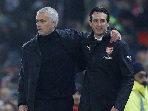 拉涅利建议在穆帅的问题上,曼联名宿需学习阿森纳对埃梅里的态度