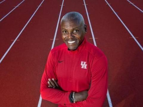 伟大的对决,鲍威尔跳远8米95击败刘易斯8米87,29年无人能接近