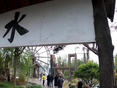 河南纯人造的5A景区清明上河园,价值120元门票到底是不是智商税