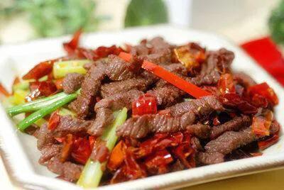 精选美食:香辣牛肉,茭白炒肉丝,黄瓜溜猪肉,青椒龙利鱼