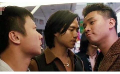 艾威、陈锦鸿、黄子扬内地酒吧捞金,一场演出2万多,排面超足