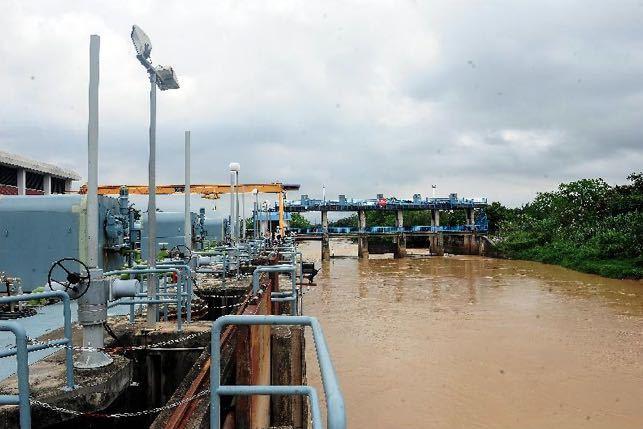 疫情恶化再遇停水 马来西亚首都吉隆坡和雪兰莪州部分地区受双重考验