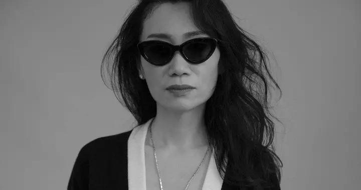 杨起凤诠释BALMAIN加盟《无常》时尚摄影展 携手国际获KATE MOSS美誉