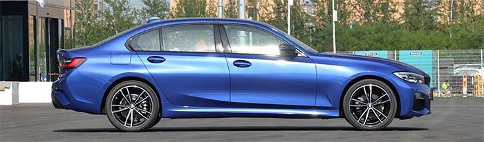 特斯拉毛豆3性能爆炸,宝马3系轴距完胜,都是驾驶机器你买谁?