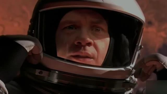 我们都知道在太空中需要穿着那笨重不方便的太空服……