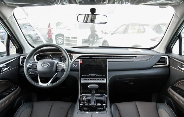 12.8万提辆新款传祺GS5,行驶4200公里后,车主详细说出了优缺点