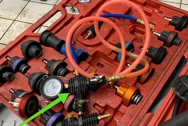11年跑12万公里的迈腾检修,车主疑惑:必须换这三条水管吗?