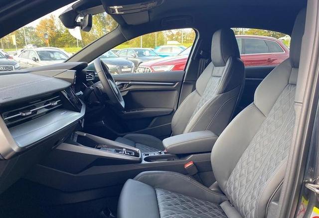 奥迪又一重量级新车,新款奥迪S3实拍,310马力+全时四驱!