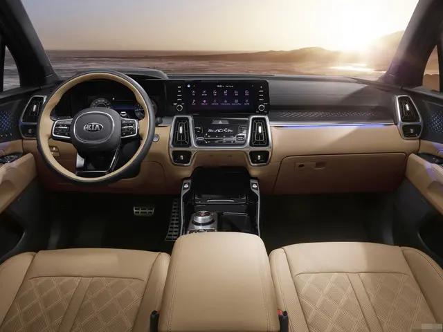 不服输的韩系车,新款中型SUV海外上市,造型硬朗,搭2.2T柴油机