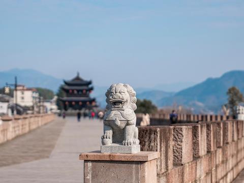 新安江畔的千年古镇,历史上与杭州颇有渊源,知道的游客却并不多