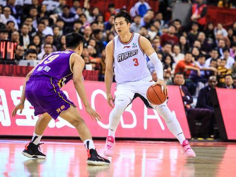 """""""小韦德""""孟铎正式结束职业生涯 将作为深圳领队继续率领球队"""