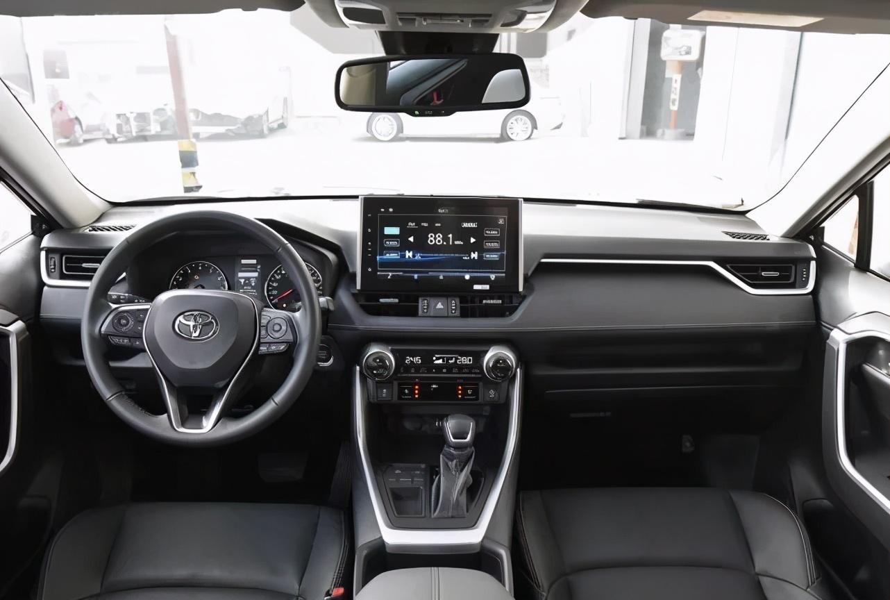 丰田又一王炸,比CRV漂亮十倍,2.5L+四驱,一公里才3毛钱