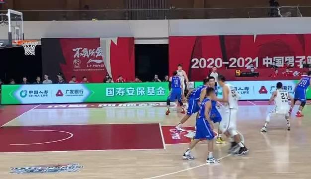 眼疾手快!@辽宁沈阳三生飞豹篮球俱乐部 球员