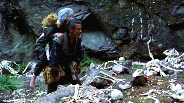 丧尽天良的日本习俗,老人到了70岁,儿子必须把她扔到山上饿死!