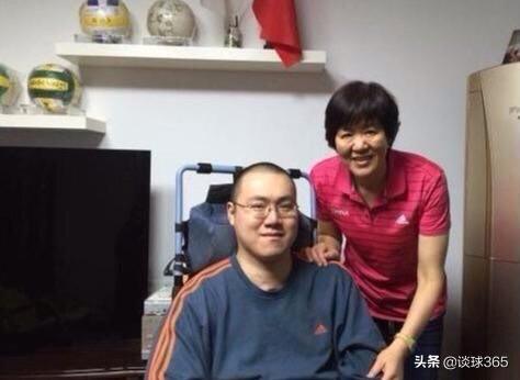 郎平携全家探望汤淼,已坚持14年,周苏红忙于直播带货未现身