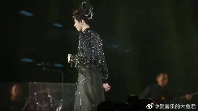 王俊凯翻唱李荣浩的《李白》,好听又大气!