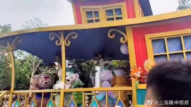上海迪士尼乐园花车巡游,必备项目之一