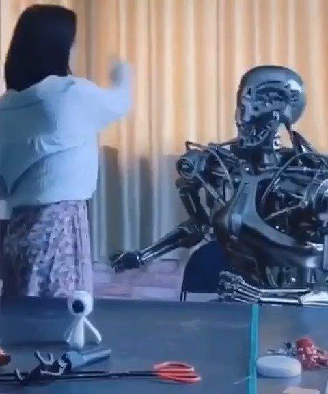 题外:那什么,这个机器人还挺贴心的~