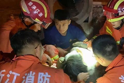 排水管里有个小女孩!杭州7名消防员倒吸一口凉气,这两小时太险了