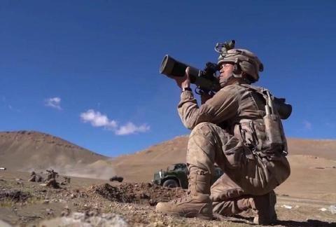合成旅高原如何拔点?红箭10远程攻击,火箭炮和卡车炮轮番压制