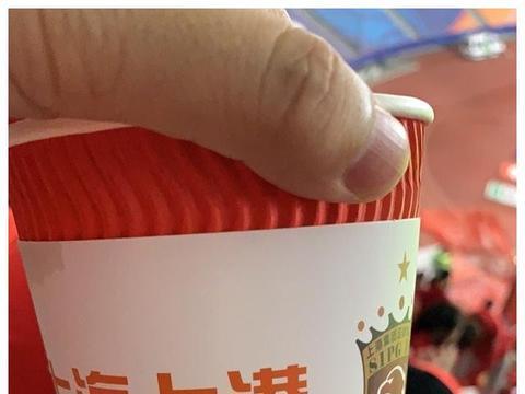 豪气冲天!上海上港启用38辆包车接送球迷助威上海德比