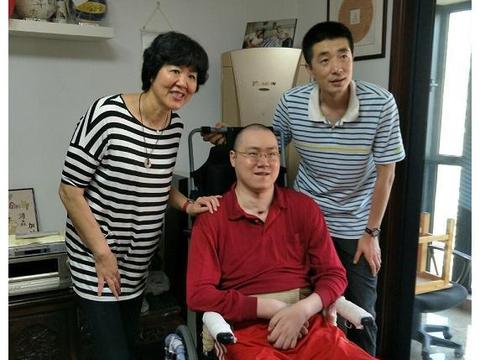 瘫痪14年,郎平坚持探望汤淼!这一次,她还带上白浪和丈夫