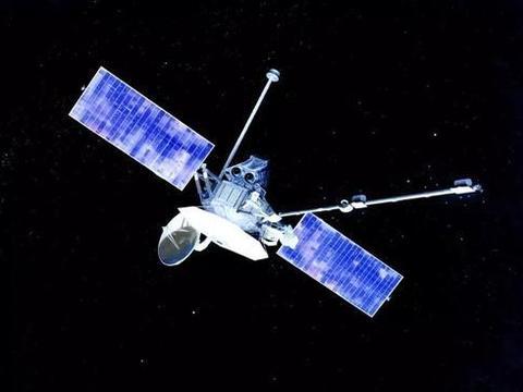 """爱神星:一颗长得像""""香蕉""""的小行星,探测器拍下了它的照片"""