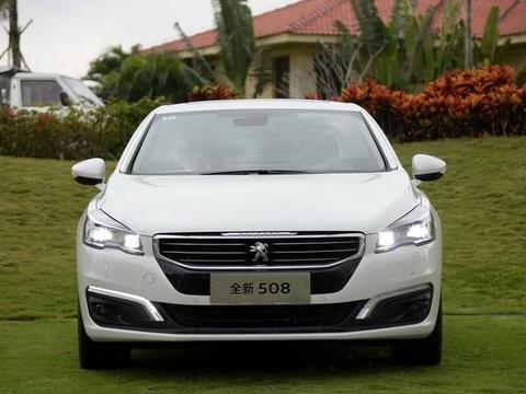 更保值的中级车,内饰安静又舒适,百公里油耗低至6.0L