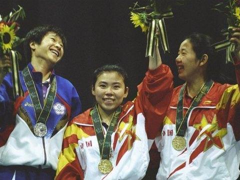 她获得奥运会历史上第一枚乒乓球女单金牌!说邓亚萍:她不是天才