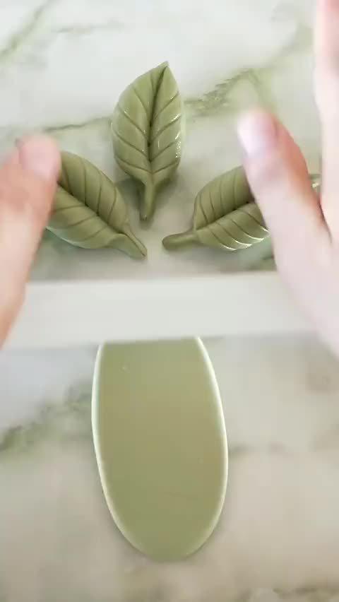 教你把馒头做成绿叶形状,是不是很简单呀