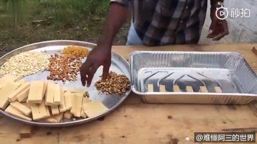 印度村民改善生活,拿来糖果、巧克力、干果……