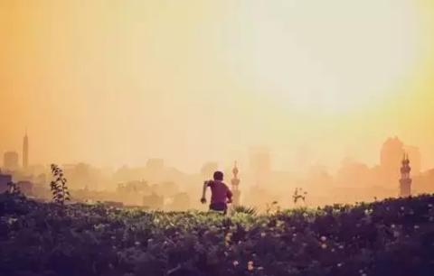 人生一世,草木一秋,即使是物欲横流,也要坚守,唯有静心笃定,