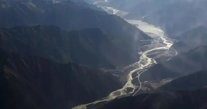 山河地理——雅鲁藏布江有多猛?