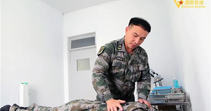 """战友们叫他""""贴心管家"""",这是卫生员王勇的""""士兵突击"""""""