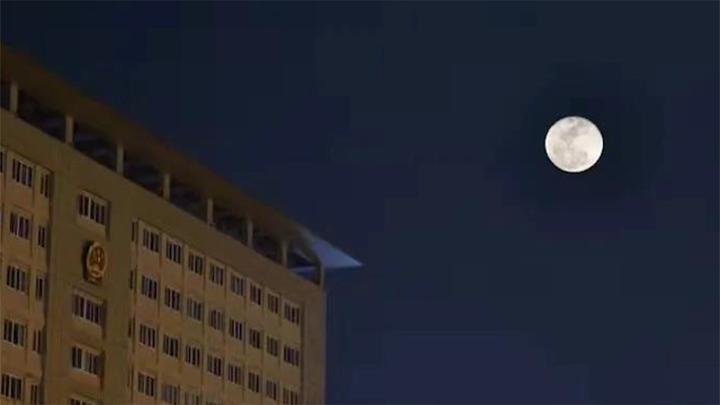 彭州:湔江月,回家路
