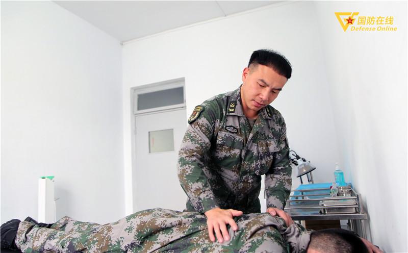 """战友们叫他""""贴心管家"""",这是卫生员王勇的""""士兵突击""""!"""