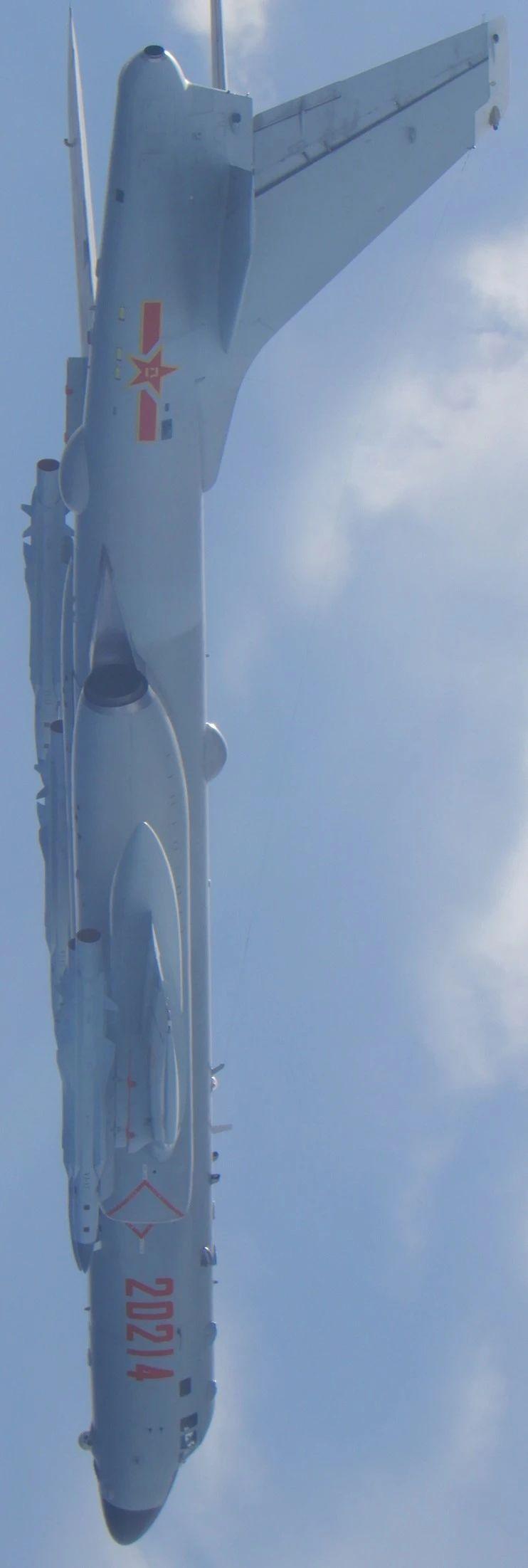 轰-6K挂鹰击-12,TW拍的那种