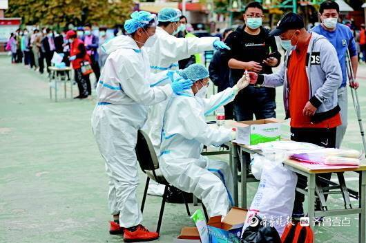 """青岛战疫120小时:检测千万人 找到""""零号病人"""""""