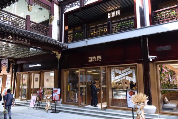 国庆节上海150余景点接待游客95万人次 同比增一倍多图片