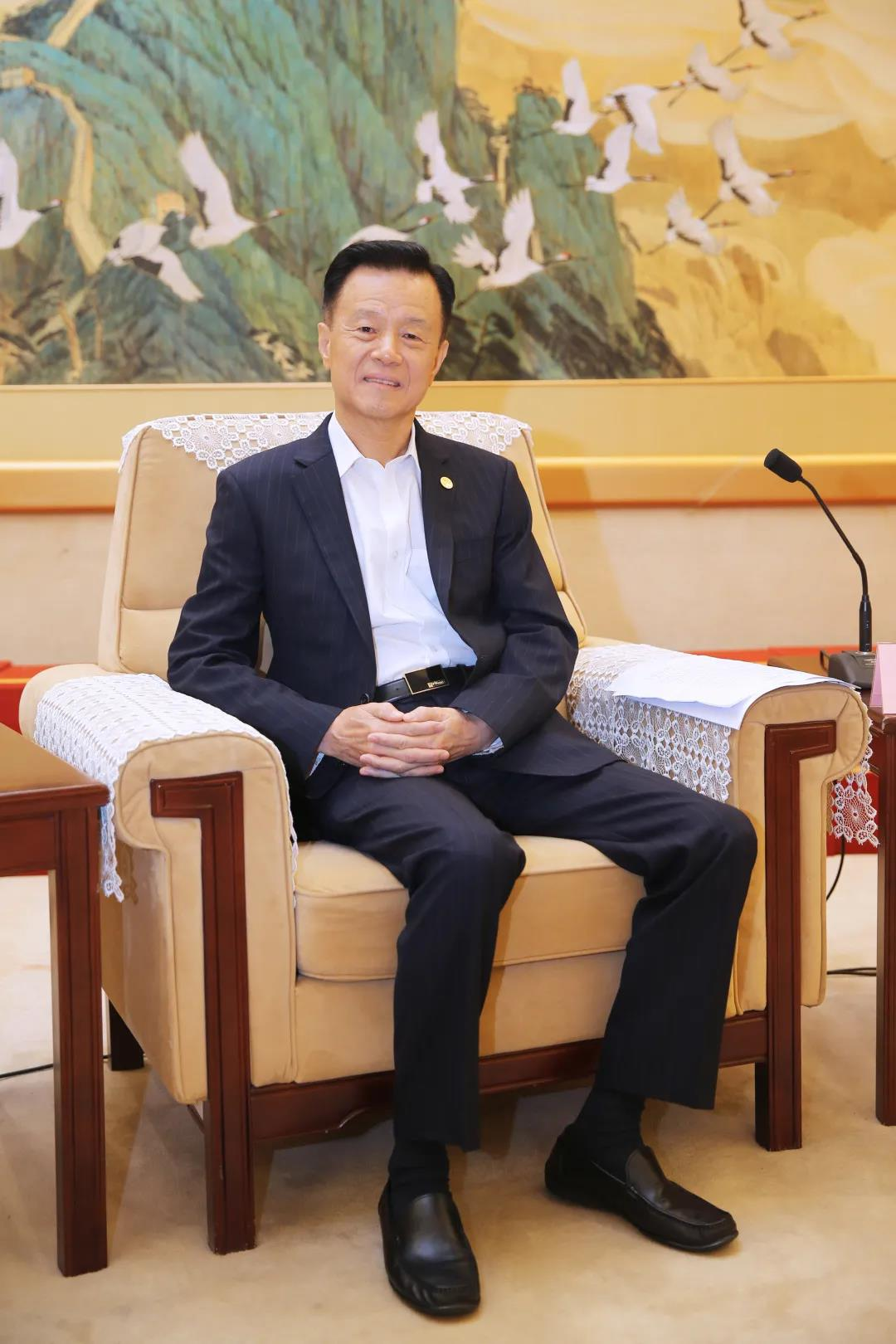 快讯:世茂集团董事局主席许荣茂太平绅士荣膺大紫荆勋章