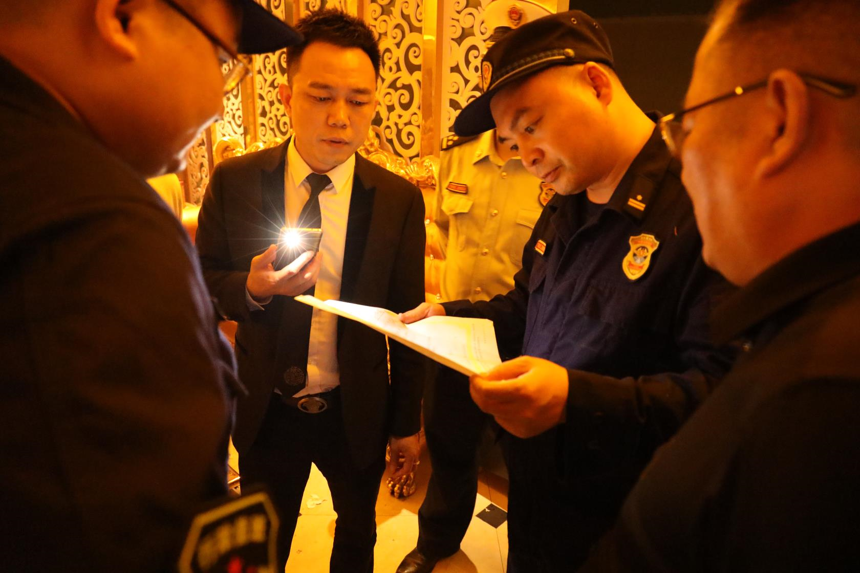 娄底消防开展国庆、中秋节前消防安全夜查行动
