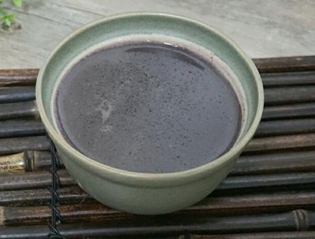 天冷,煮粥费时费事,教你做3黑豆浆,香浓营养,比粥好喝易吸收