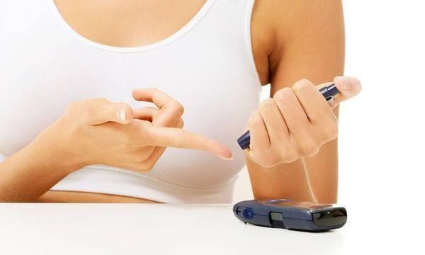血糖高的人,不想并发症找上你,4个指标最好要达标,别太晚知道