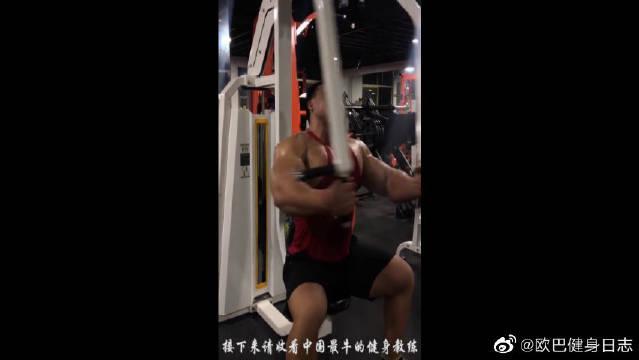 国内第一健身教练刘锐,训练的时候竟然睡着了